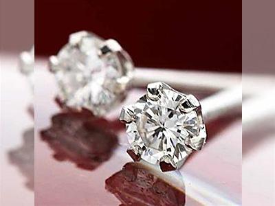 ダイヤモンドピアスは一粒タイプがオススメな理由